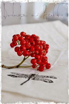 Red berries  http://kotikaupunginlaidalla.blogspot.fi/