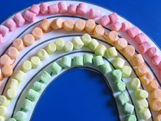 Let kids play with their food to make a St. Patrick's Day marshmallow rainbow. http://www.ivillage.com/fun-st-patricks-day-crafts-kids/6-a-332359#