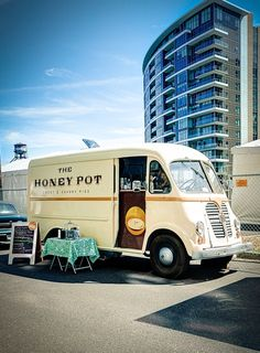 Portland Pie Mobile Food Truck - Catering | The Honey Pot Bakery