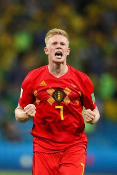 Kevin De Bruyne of Belgium celebrates at the end of the 2018 FIFA World Cup Russia Quarter Final match between Brazil and Belgium at Kazan Arena on July 2018 in Kazan, Russia. Get premium, high resolution news photos at Getty Images World Football, Soccer World, Football Soccer, Good Soccer Players, Football Players, Russia 2018, National Football Teams, Fifa World Cup, Manchester City