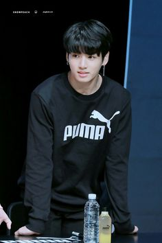 171019// Jungkook at PUMA Fansign~ He could be a model, but what I'm really waiting for is the day he opens his lamb skewer shop with Suga. Anticipate the grand opening of 꼬치에 꽂혀!