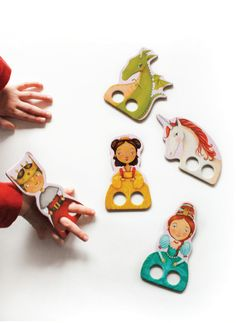 Princess finger puppets illustrated for Mudpuppy