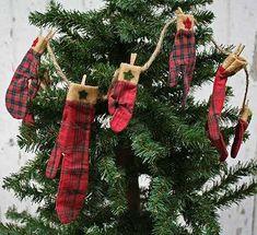 Primitive Christmas Mitten Garland - Christmas Garlands - Christmas ...450 x 41141.1KBfactorydirectcraft.com