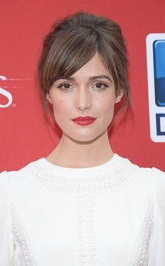 Rose Byrne's high volume low bun is perfect for prom!