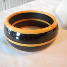 Vintage Wide Black Bakelite Bangle Bracelet Butterscotch Stripped circles