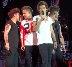 Louis is plotting with liam about what to do to harry in this solo probably!