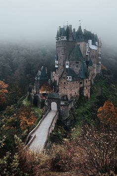 New travel photography germany beautiful places 49 ideas Beautiful Castles, Beautiful Buildings, Beautiful Places, Wonderful Places, Amazing Places, Chateau Medieval, Medieval Castle, Abandoned Castles, Abandoned Places