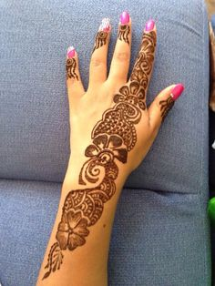 Easy Henna, Simple Henna, Arabic Mehndi Designs, Mehandi Designs, Henna Mehndi, Mehendi, Mehndi Design Pictures, Picture Design, Hand Tattoos