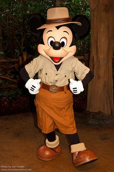 WDW Oct 2011 - Meeting Mickey Mouse | by PeterPanFan