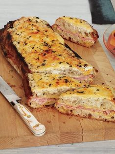 Croque-Monsieur - love that it's made with a whole loaf makes it easier and faster. Croque-Monsieur - love that it's made with a whole loaf makes it easier and faster. Brunch Recipes, Appetizer Recipes, Breakfast Recipes, Breakfast Casserole, Breakfast Ideas, Appetizers, Lorraine, Cheddar, Best Breakfast Sandwich