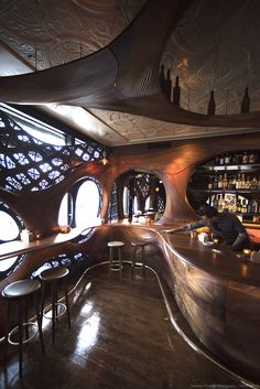 Toronto's new Bar Raval keeps the Art Nouveau spirit alive and evolving in a design reminiscent of early century artwork and architecture. Organic Architecture, Amazing Architecture, Interior Architecture, Room Interior, Interior Design Living Room, Living Room Designs, Restaurant Design, Restaurant Bar, Art Deco