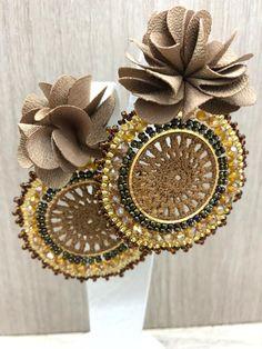 Crochet Earrings Pattern, Bead Crochet, Fabric Jewelry, Beaded Jewelry, Cute Jewelry, Jewelry Crafts, Earrings Handmade, Handmade Jewelry, Imitation Jewelry