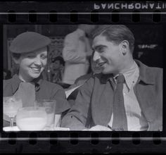 Gerda Taro worked alongside Robert Capa during the Spanish Civil War.  📷 Fred…