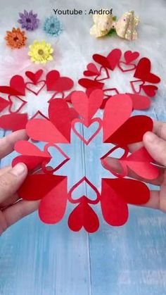 Cool Paper Crafts, Paper Flowers Craft, Paper Crafts Origami, Flower Crafts, Diy Valentines Day Gifts For Him, Valentine Day Crafts, Holiday Crafts, Pop Up Valentine Cards, Valentine Ideas
