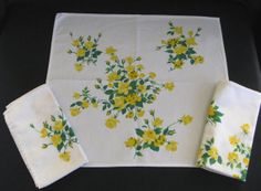 """Wilendur Yellow """"Princess Rose"""" Napkins (Set of Three) in Excellent Condition"""