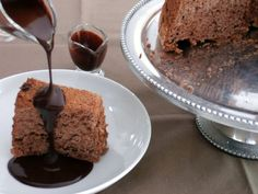 Gâteau des Anges au Chocolat ( angel food cake) Banana Bread, Pudding, Sweet, Desserts, Food, Caramel, Chocolate Dipping Sauce, Toasted Almonds, Food Recipes