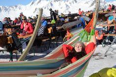 Sonne tanken in den neuen Hängematten im Bella Nova. #silvrettamontafon #relax Outdoor Furniture, Outdoor Decor, Winter, Skiing, Nova, Relax, Wellness, Fun, Travel