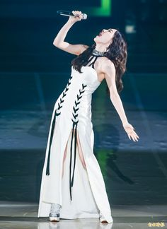Taeyeon Persona Concert in Taipei Taeyeon Fashion, Kpop Fashion, Kpop Girl Groups, Kpop Girls, Yuri, Taeyeon Persona, Korean Girl, Asian Girl, Girl's Generation