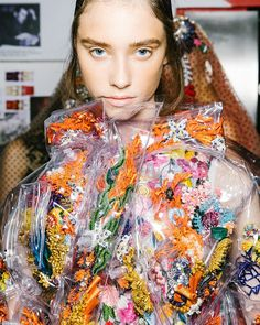 Corey Tenold is going behind the scenes at Matty Bovan, JW Anderson, Burberry, and more of the top London shows. Fashion Details, Fashion Photo, Fashion Art, Fashion Beauty, Fashion Design, Paper Fashion, Matty Bovan, Embroidery Fashion, Modern Embroidery