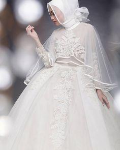 Model indahnadapuspita Pict by afidasukma Make up by Edited by phoillodgy Muslimah Wedding Dress, Hijab Style Dress, Muslim Wedding Dresses, Muslim Brides, Bridal Wedding Dresses, Bridesmaid Dresses, Muslim Girls, Muslim Couples, Wedding Cakes