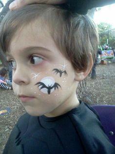 kids halloween face paint designs at DuckDuckGo Halloween Face Paint Designs, Face Painting Halloween Kids, Halloween Makeup For Kids, Kids Makeup, Face Painting Designs, Painting For Kids, Body Painting, Halloween Bats, Rosto Halloween
