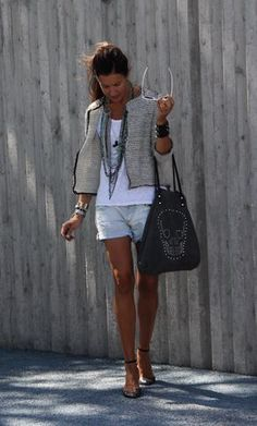 Look: shorts, chaqueta, camiseta y bailarinas Zara - mytenida - Trendtation