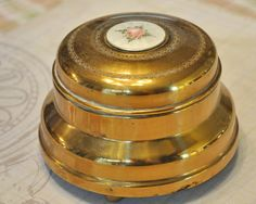 Gold Luster powder puff music box Plays by StarfishCollectibles, $25.00