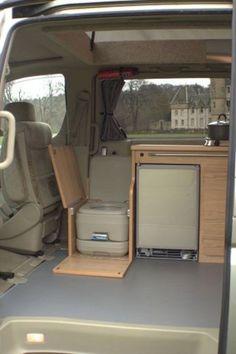 25 Wonderful Small RV And Camper Van Interiors Design Ideas - Van Life Minivan Camping, Douche Camping Car, Rv Camping, Camping Hacks, Vw T3 Camper, Transit Camper, Mini Camper, Vw Transporter Camper, Camper Life