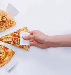 손을 더럽히지 않고 피자먹는 법  -한국 디자이너 하유경, 정원민, 권영희가 함께 만든 손에 기름 묻지 않는 피자 패키징 아이디어