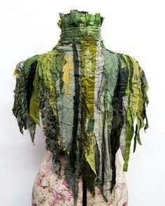 Inspiration for Puck's tunic. Will broaden shoulders, add heft to body of short jumpsuit. Grandeur Nature, Fantasy Costumes, Costume Design, Refashion, Wearable Art, Textiles, Dress Up, Style Inspiration, Boho
