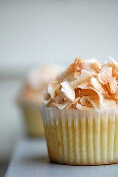 Coconut Dulce de Leche Cupcakes