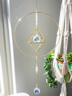 Wire Crafts, Metal Crafts, Crystal Bedroom, Bath And Body Works Perfume, Crochet Christmas Decorations, Hanging Crystals, Rose Quartz Heart, Suncatchers, Love Gifts