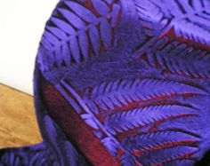 Mano terciopelo realzado bufanda helecho botánico diseño impreso
