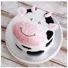 Buttercream Cow Cake by Ivenoven Buttercream Decorating, Buttercream Cake, Cake Decorating, Decorating Ideas, Cow Cupcakes, Cupcake Cakes, Pretty Cakes, Cute Cakes, Cake Toppers