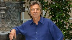 """Sep 20, 2016 - Curtis Hanson, 71, director of """"L.A Confidential"""" and winner with Brian Helgeland of an Oscar for adapting James Ellroy's novel, was found dead in his Hollywood Hills home on Tuesday afternoon"""