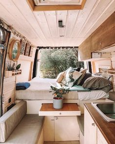Van Living, Tiny House Living, Cozy House, Living Room, Van Conversion Interior, Camper Van Conversion Diy, Sprinter Van Conversion, Astuces Camping-car, Diy Interior
