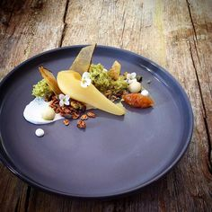 """Pears poached in white wine, fresh and wafers, pistachio sponge and granola, sweet pear chutney, and hung yoghurt. Fun Desserts, Dessert Recipes, Dessert Ideas, Wine Poached Pears, Pear Dessert, Food Plating, Plating Ideas, Cake Business, Molecular Gastronomy"