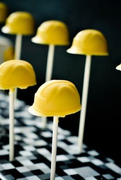bcd33848906 Construction party - hardhat cake pops by elma Construction Party Cakes