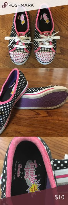 Girls Skechers Twinkle Toes Memory Foam Sz 1 shoes Little Girls Size 1. Very good pre-owned condition. They light up when you walk. Only worn a few times. Really cute! Bundle and save, adding more! Skechers Shoes Sneakers