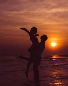 - Photography, Landscape photography, Photography tips Cute Couples Photos, Cute Couple Pictures, Cute Couples Goals, Romantic Couples, Beach Pictures, Couple Goals, Couple Photoshoot Poses, Couple Photography Poses, Beach Photography