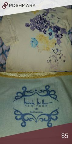Nicole Miller tshirt 3/4 length tshirt...Gently used but in great condition! Nicole Miller Tops Tees - Long Sleeve