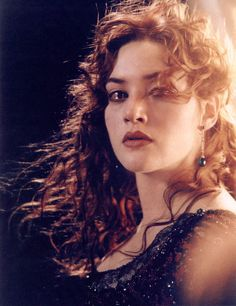Rose Titanic jump earrings, perfect shot