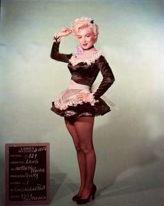 Marilyn Monroe wardrobe tests, part 2: in color this time. Not all of them were used, mind you. Niagara (1954) / There's No Business Like Show Business (1954) Niagara (1954) / idem Niagara (1954) /...