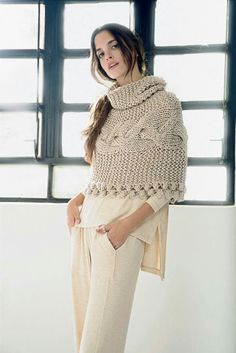 Crochet Wool, Crochet Poncho, Gilet Rose, Knitwear Fashion, Cardigan Pattern, Hippie Outfits, Knit Patterns, Crochet Clothes, Pull