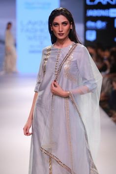 payal_singhal_ps-fw365c_1.jpg (1317×1975)