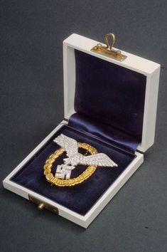Luftwaffe Pilot Observer Badge with Diamonds and case