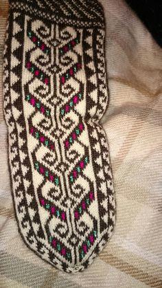 Christmas Look, Moda Emo, Knitting Socks, Crochet Stitches, Hippy, Textiles, Tapestry, Crafts, Socks