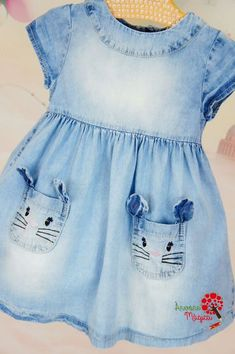 Denim girl's dress with kitty pockets Toddler Dress, Toddler Outfits, Baby Outfits, Baby Dress, Toddler Girl, Kids Outfits, Baby Girl Fashion, Toddler Fashion, Kids Fashion