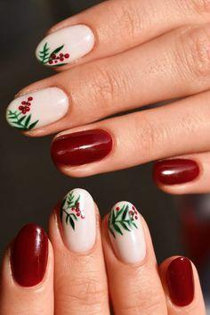 42 Festive Christmas Nail Ideas 2020 - Christmas Nail Art Ideas