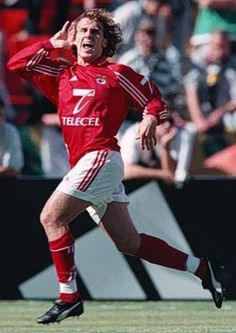 Karel Poborsky Benfica Wallpaper, Football Love, Sports Clubs, Victorious, People, Eastern Europe, 30, Eagles, Vintage